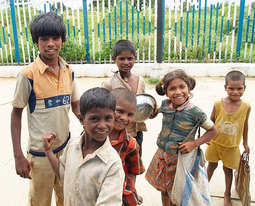500px-Street_children_in_India.jpg